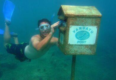 पानी के 10 मीटर अंदर स्थित है दुनिया का सबसे बड़ा पोस्ट बॉक्स, जानें दिलचस्प जानकारी