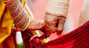 अजब गजब : भाई ने अपनी ही बहन से रचा ली शादी, नाराज परिजनों ने दी अनोखी सजा