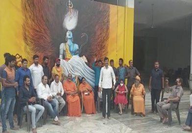 Ghaziabad : विवादों में रहे हैं डासना मंदिर के महंत, हत्या करने आए आतंकी को दिल्ली पुलिस ने पकड़ा