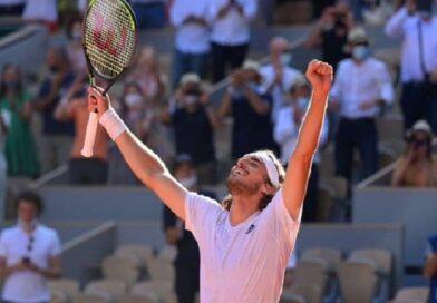 French Open: सितसिपास ने रचा इतिहास, पांच सेट का कड़ा मुकाबला जीतकर फाइनल में