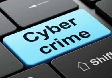 एसटीएफ ने इनामी समेत तीन बदमाश पकड़े, हजारों लोगों के क्रेडिट कार्ड का डाटा बरामद